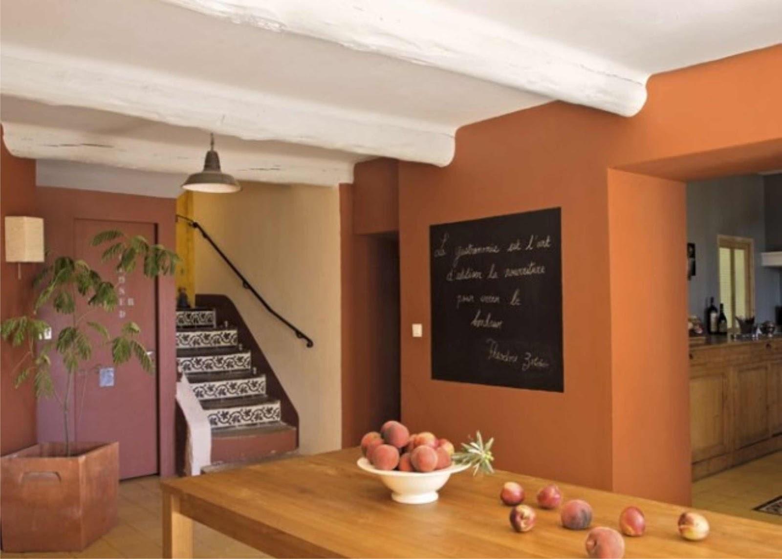 Home una vieja casa provenzal virlova style for Salle a manger orange