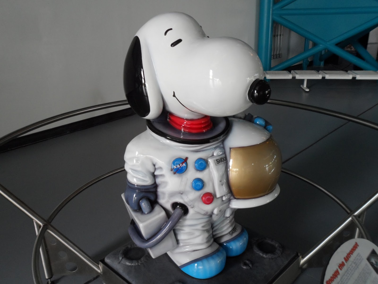 Every Day Is Special October 4 Snoopys Debut Loop Kartini Gardens By The Bay Singapore Dewasa This Snoopy Astronaut Statue Made Its Appearance At Kennedy Space Center