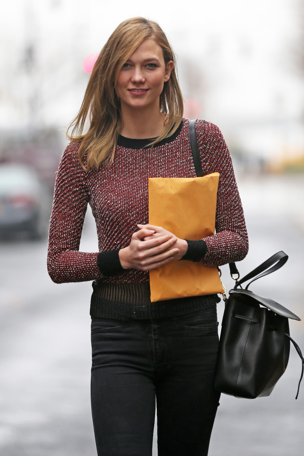 street style karlie kloss 39 casual winter look the front. Black Bedroom Furniture Sets. Home Design Ideas