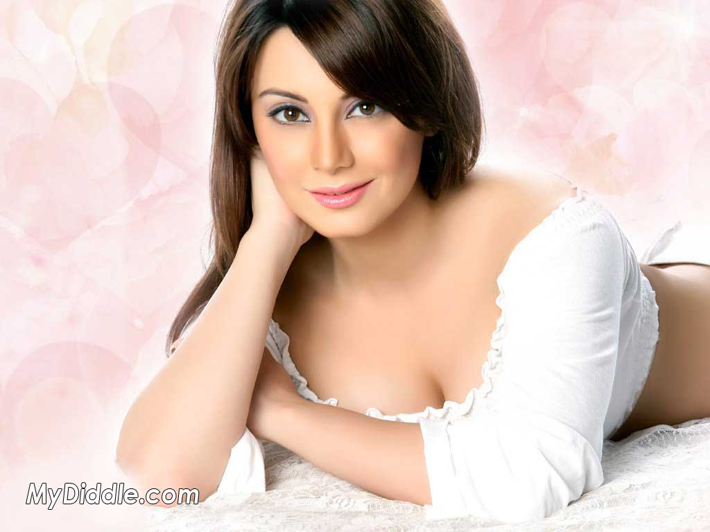 Minissha Lamba Hot Wallpaper - Latest