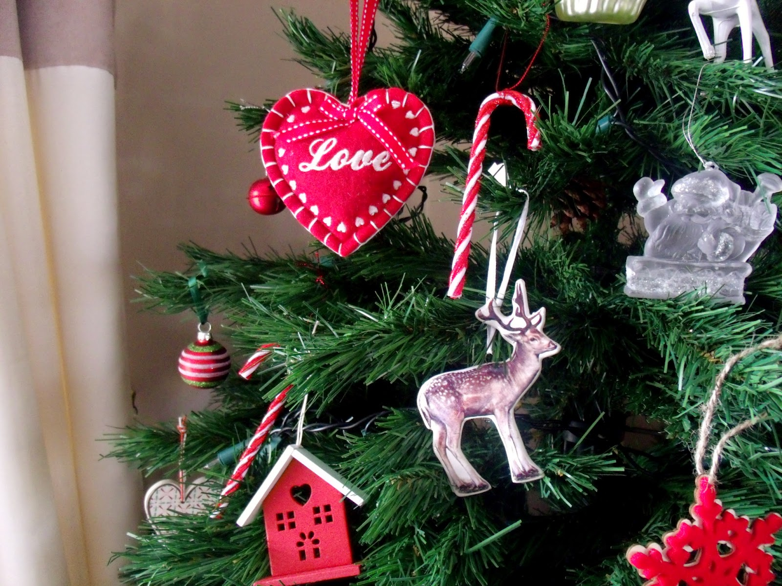 My christmas home victoria 39 s vintage blog home food for Christmas decorations home bargains