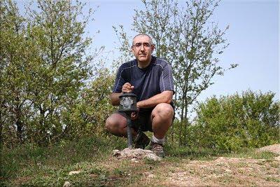 Bustuko gana mendiaren gailurra 976 m. -- 2011ko maiatzaren 11an
