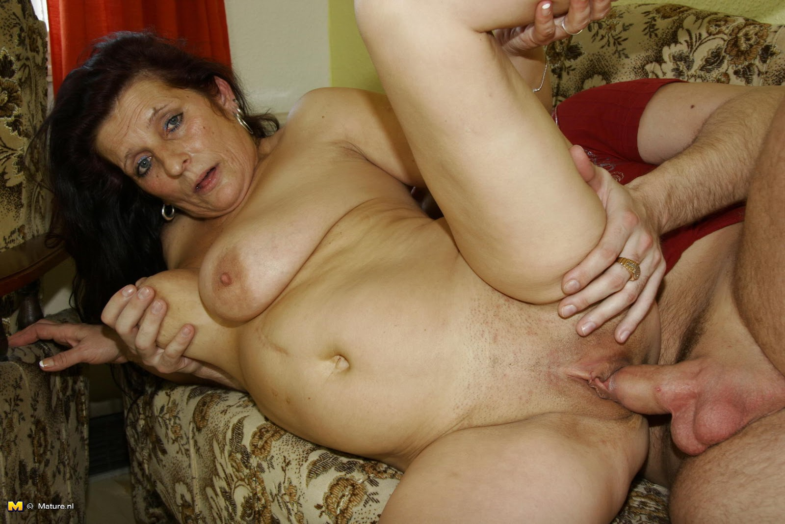 Naked mature women getting fucked