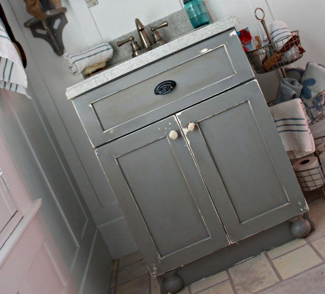 Robb Restyle DIY Chippy Painted Bathroom Vanity
