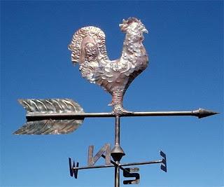 Banderuola o segnavento è una piccola bandiera raffigurante spesso simboli e stemmi di animali, che veniva posizionata sulla sommità degli edifici per determinare la forza e la direzione dei venti