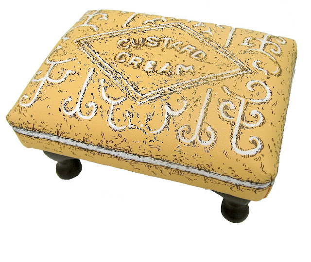 custard cream stool