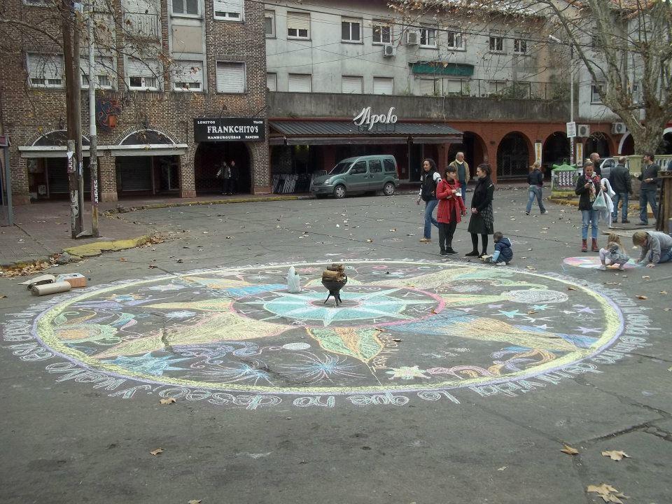 Polleras objeto pollerudas en fogata y queimada en plaza for Alquileres en ciudad jardin el palomar