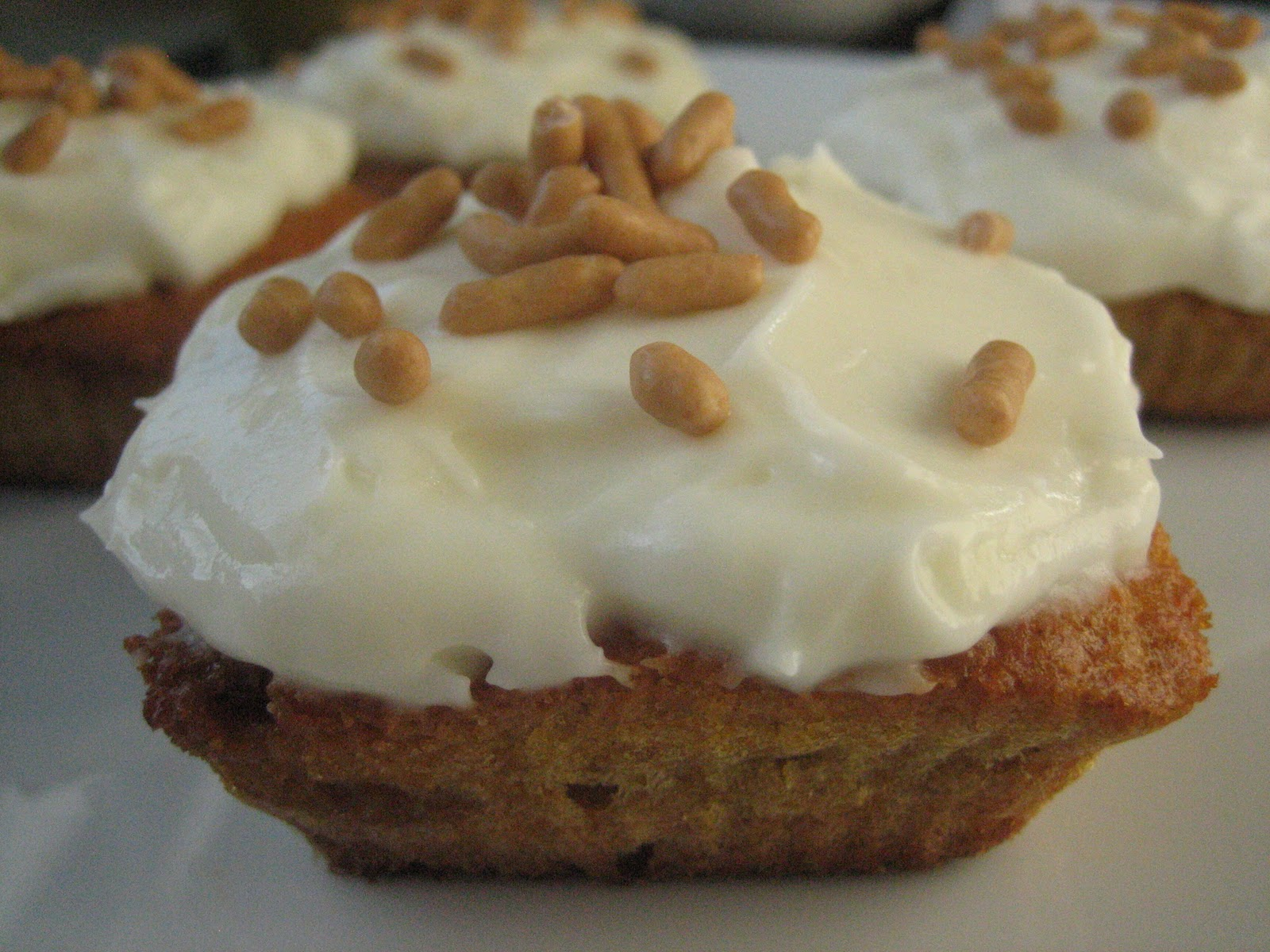 ... Vigo: Cupcakes de zanahoria (Carrot Cupcakes with mascarpone Frosting