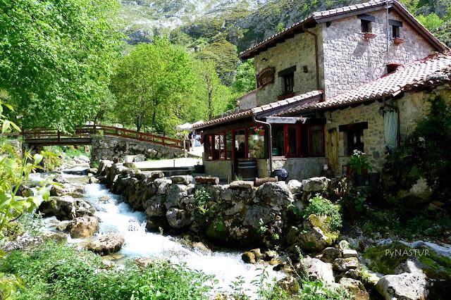 Pueblo de Bulnes  - Picos de Europa - Asturias