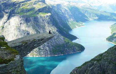 Incrivel pedra de Trolltunga – Skjeggedal - Odda - Noruega