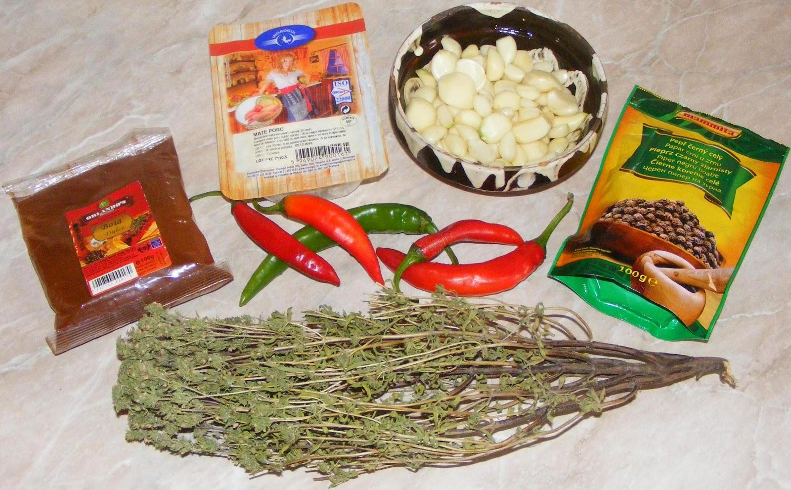 condimente pentru carnati de porc de casa, ingrediente pentru carnati de porc de casa, cum se prepara carnatii de casa, cum facem carnati de porc de casa, retete carnati, reteta carnati,