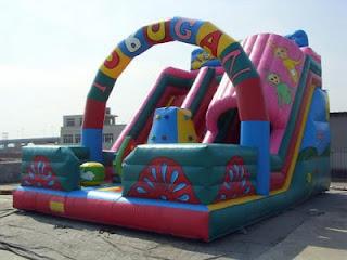 istana balon tobogan