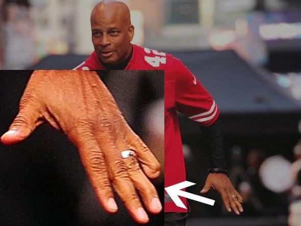 Ronnie-Lott-Finger