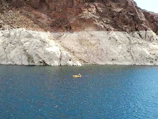 Lake Mead National Recreation Area (Best Honeymoon Destinations In USA) 4