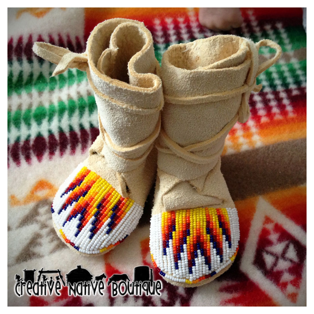 Creative native boutique size 1 beaded high top baby moccasins