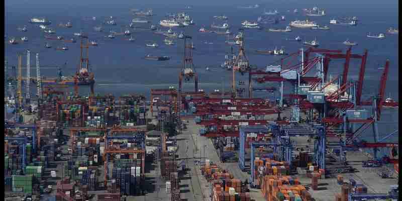 Pelahuan Tanjung Priok: Akses Pelabuhan Tersibuk di Indonesia