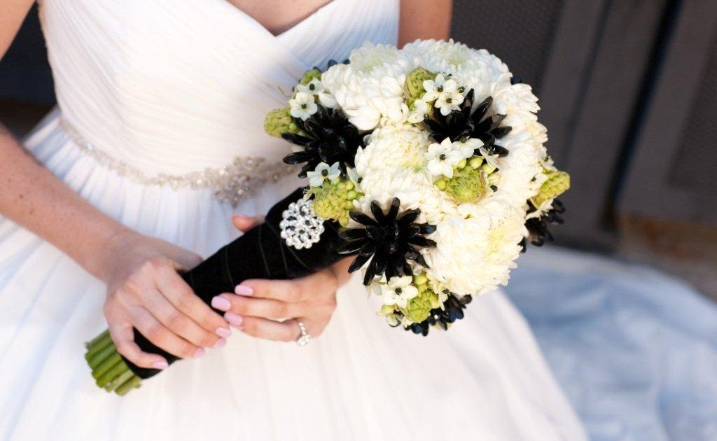 blooms blog bridal bouquets for real weddings magazine. Black Bedroom Furniture Sets. Home Design Ideas