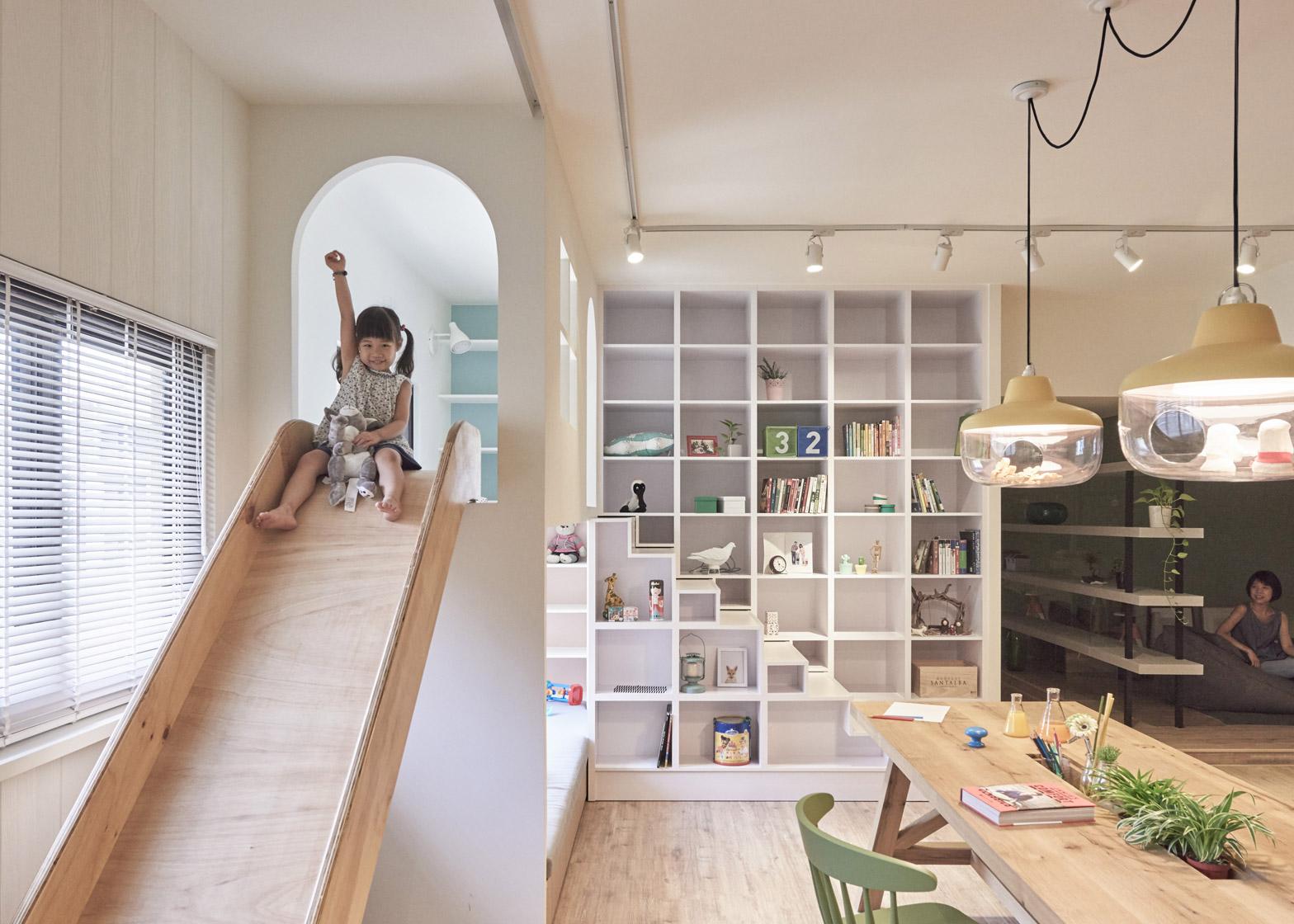 Casa con scivolo e giochi per bambini in taiwan by hao for Idee design casa