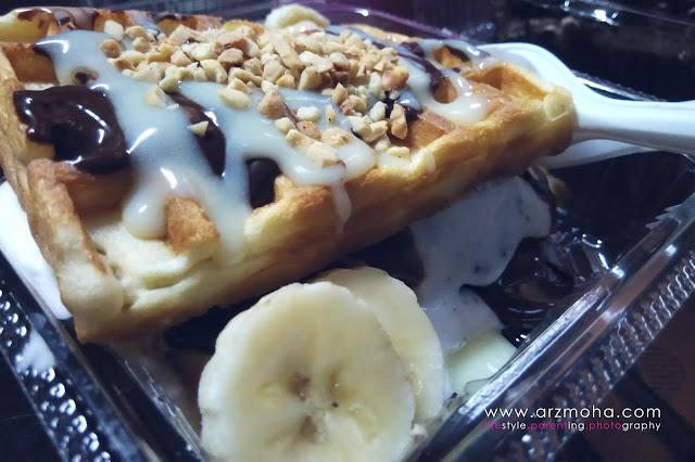 menu di chocolate boss, ice cream waffle sandwich, aiskrim waffle, tempat makan sedap, tempat lepak, kedai kek,