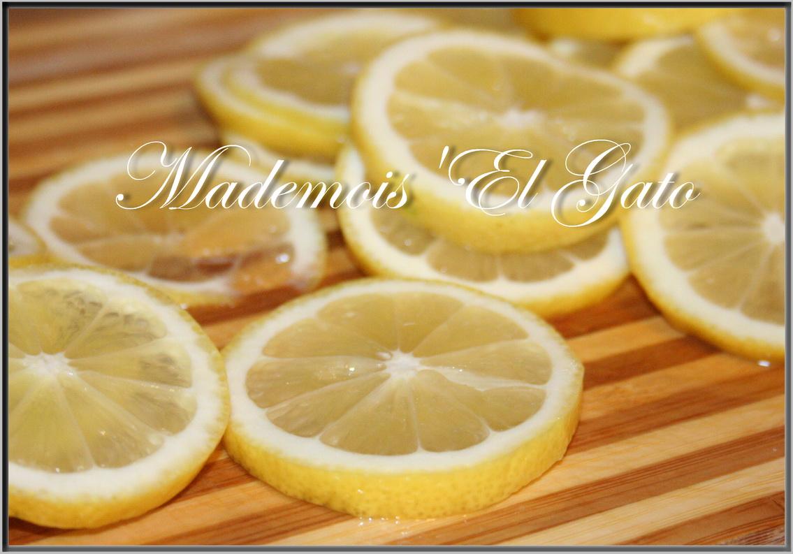 Awesome Citrons Confits Au Sucre #11: Dans Une Casserole Assez Large, Poser Une Couche De Rondelles De Citron,  Couvrir De Sucre , Remettre Une Couche De Rondelles De Citron , Une Couche  De Sucre ...