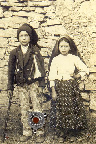 Beatos Lucía y Francisco, rogad por nosotros.