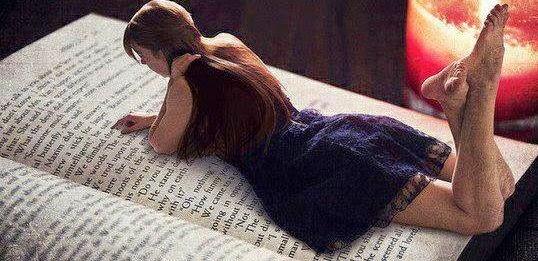 Okuyan Kız