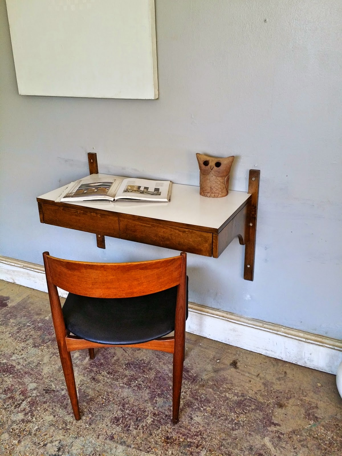 This Is An Awesome Mid Century Floating Unit. It Can Be Used As A Desk,  Nightstand, Entry Table, Etc. It Is Very Versatile And A Fantastic Piece.