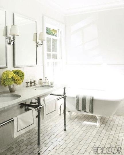 J douglas design classic bathroom charm endures for Bathroom elle decor