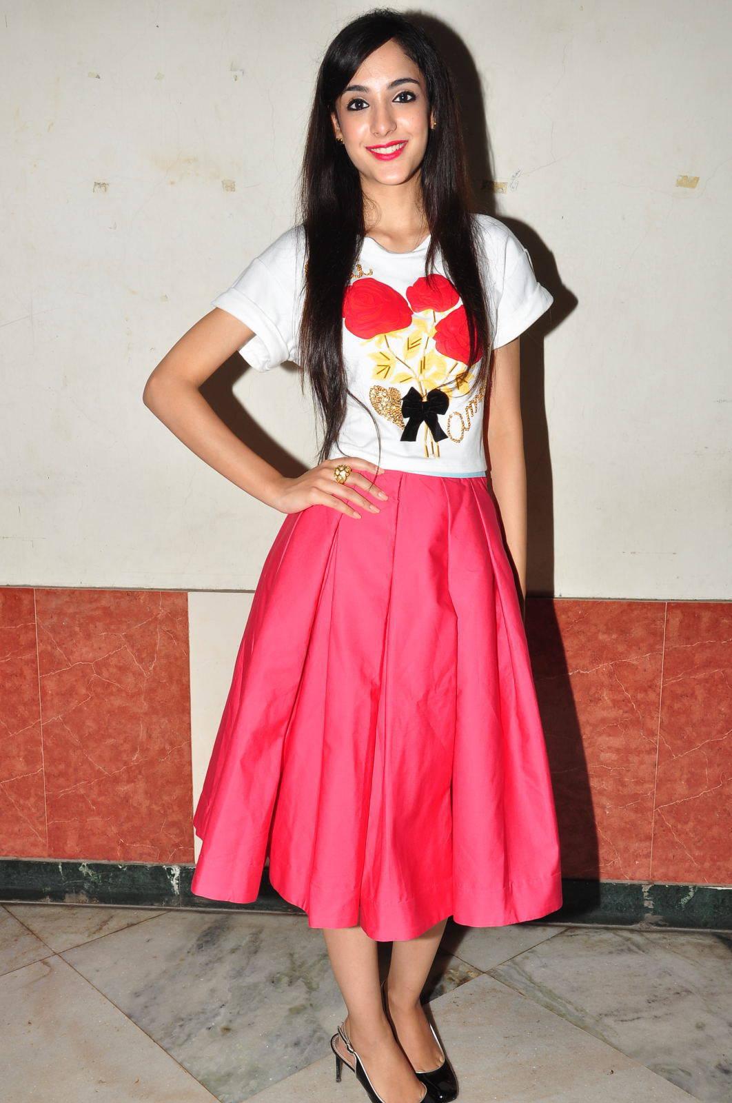 Kanika Kapoor Latest Photos At Sree Mayuri Theatre ...