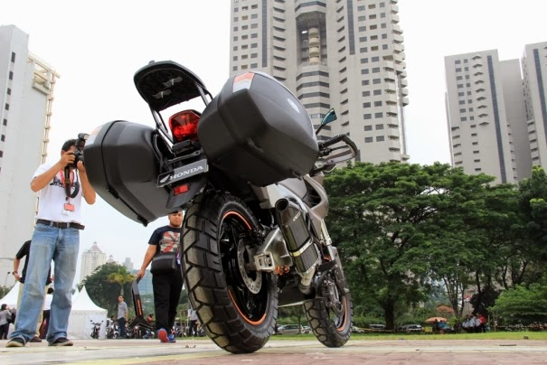 Modifikasi New Honda Megapro FI 2014 model adventure touring