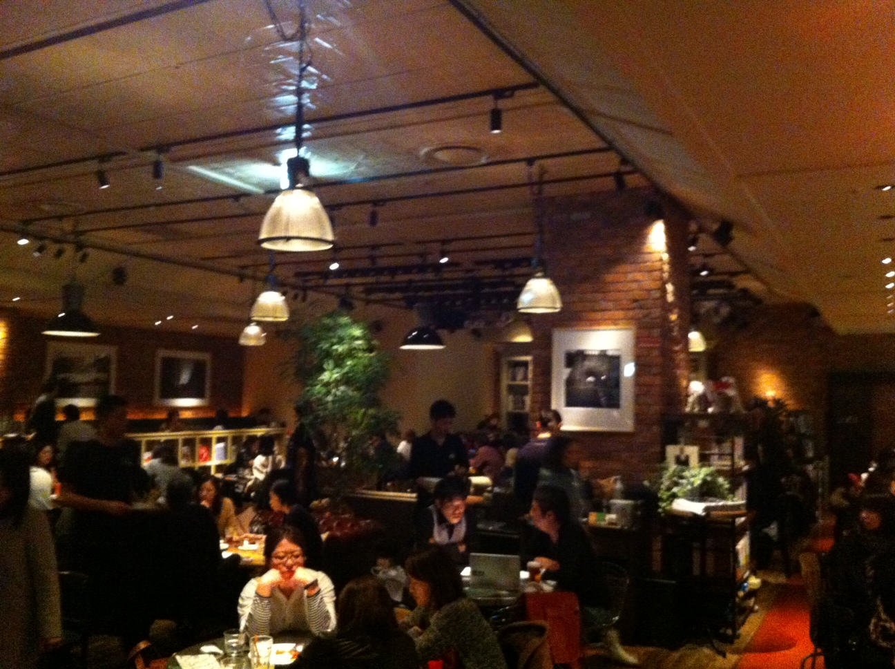 The bar restaurant space of Brooklyn Parlor, Shinjuku 3-chome, Tokyo.