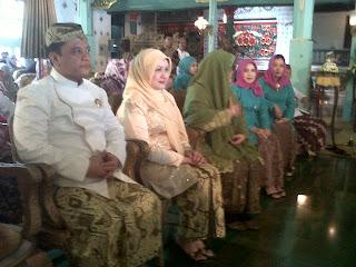 Putri Keraton Kasepuhan Cirebon dilamar pengusaha Rotan