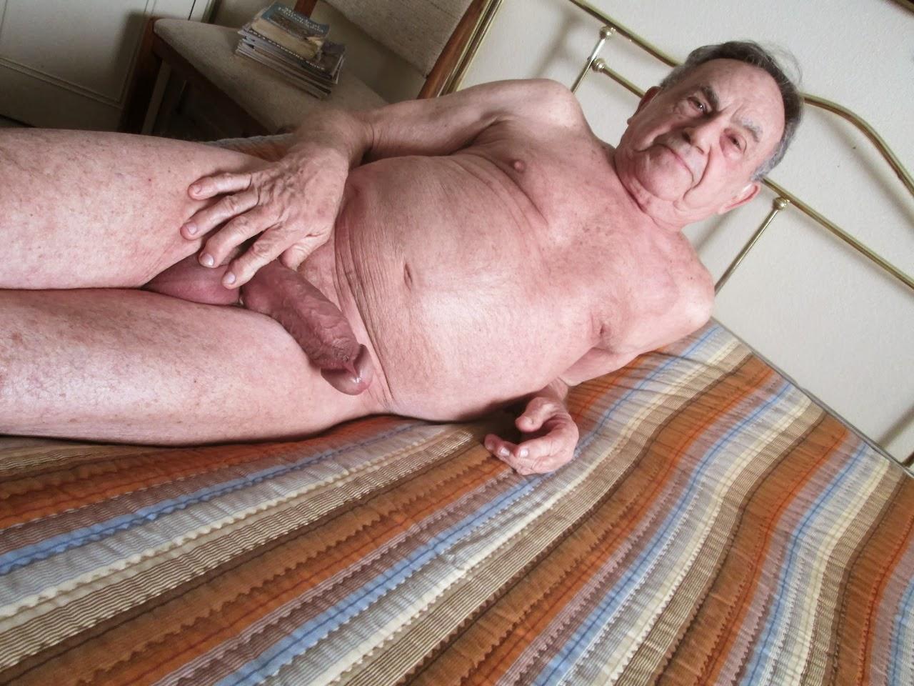 Video. Hot grandpa with big cock cunt