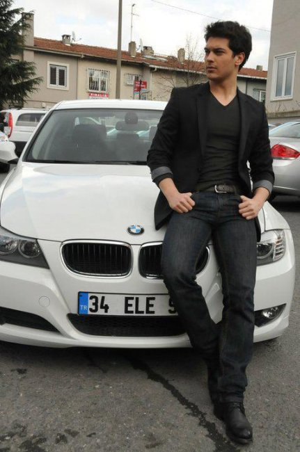 photo of Çagatay Ulusoy BMW - car