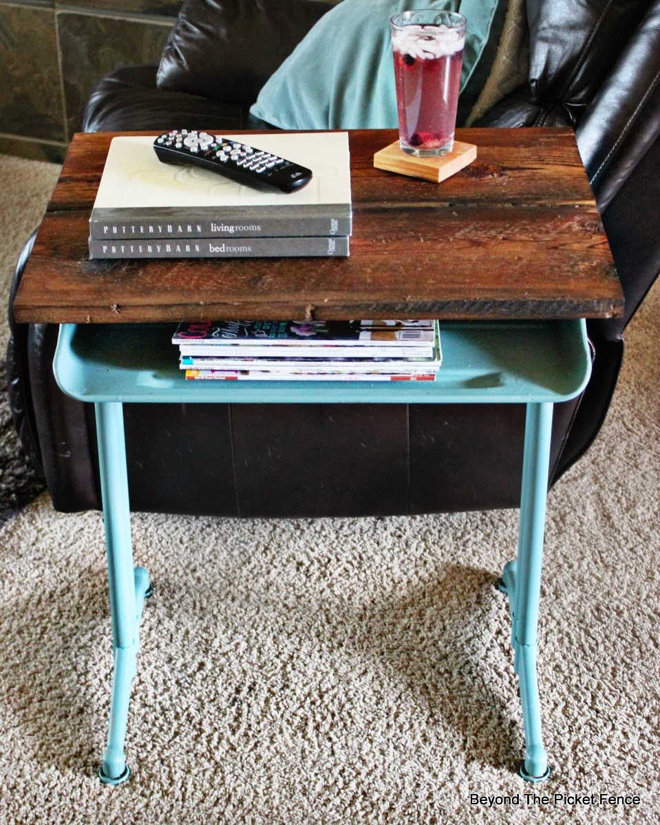 desk, upcycled, reclaimed wood, fusion mineral paint, end table, beyond the picket fence, http://bec4-beyondthepicketfence.blogspot.com/2015/04/project-challenge-furniture-school-desk.html