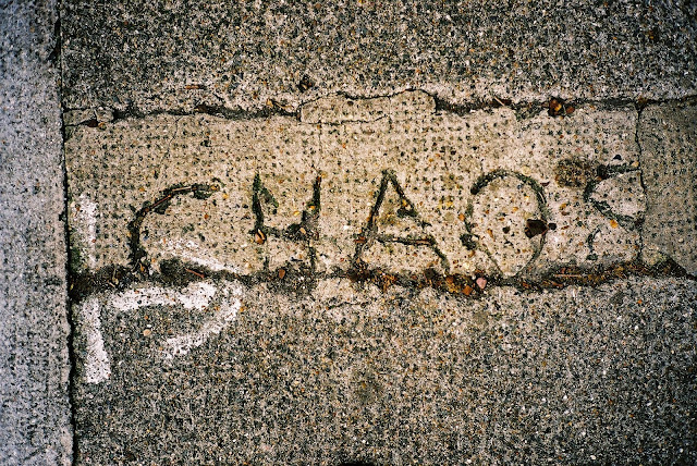 GRAFFITI, CONCRETE, STREET ART, URBAN PROTEST, ART INTERVENTION, ANARCHY, DIRECT ACTION, CHAOS, LONDON, UK © VAC 100 DAYS 4 MILLION CONVERSATIONS