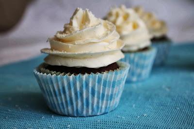 Receta cupcakes chocolate con frosting de coco
