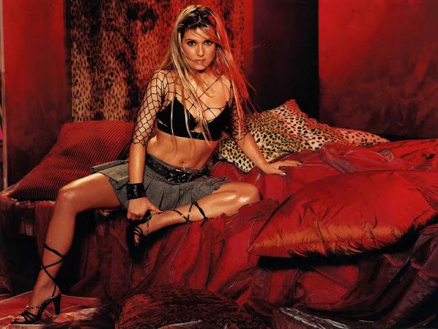 Jeanette Biedermann sexy in lingerie