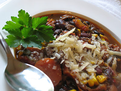 Vegetarian Chili with Kidney Beans, Black Beans and Rye Berries