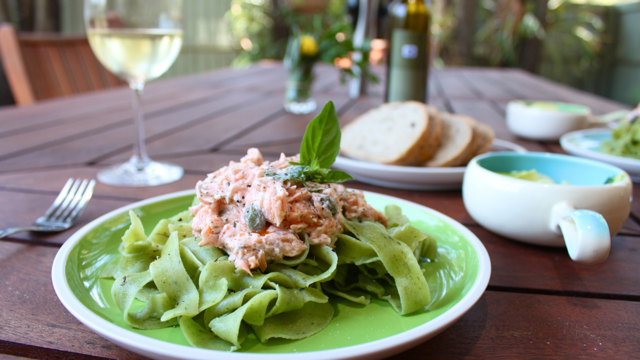 reana louise: SMOKED SALMON PASTA WITH ZUCCHINI SALAD