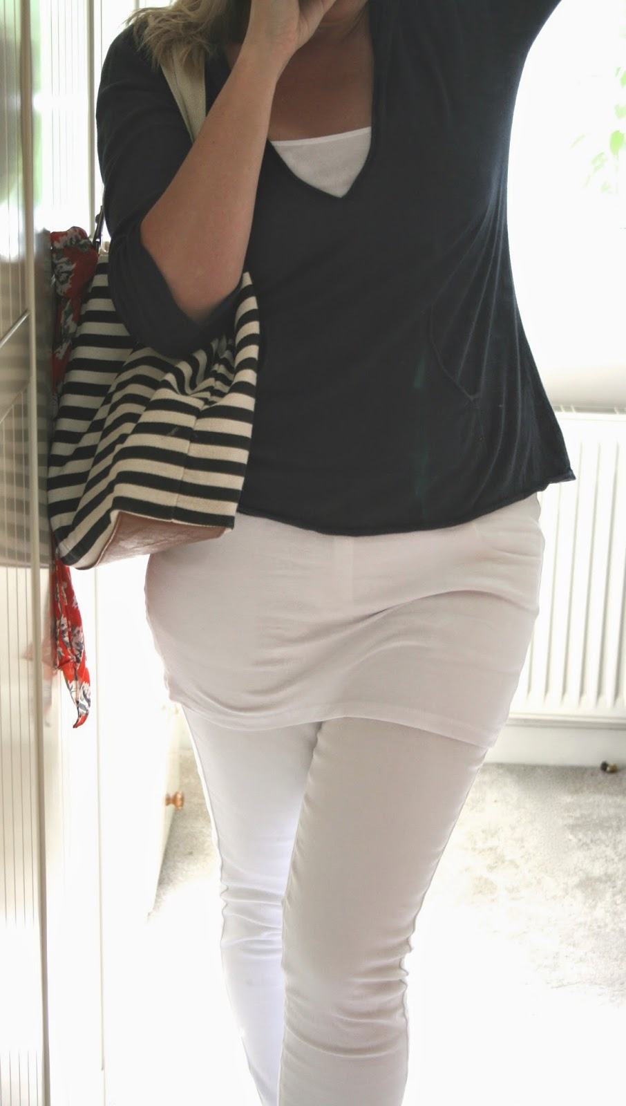white-jeans-curvy-style