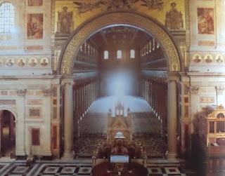 Vista del interior de la Basilica de San Pablo extra muros. Iglesias del mundo