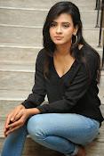 Hebah Patel glam pics in black top-thumbnail-20