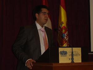 Presentando a Gregorio Peces-Barba