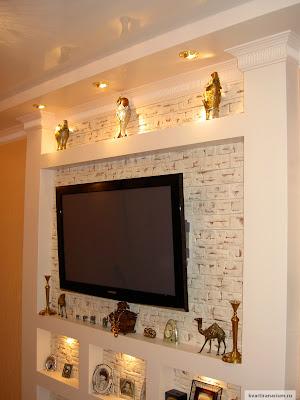 Фото декоративная ниша-стойка для телевизора