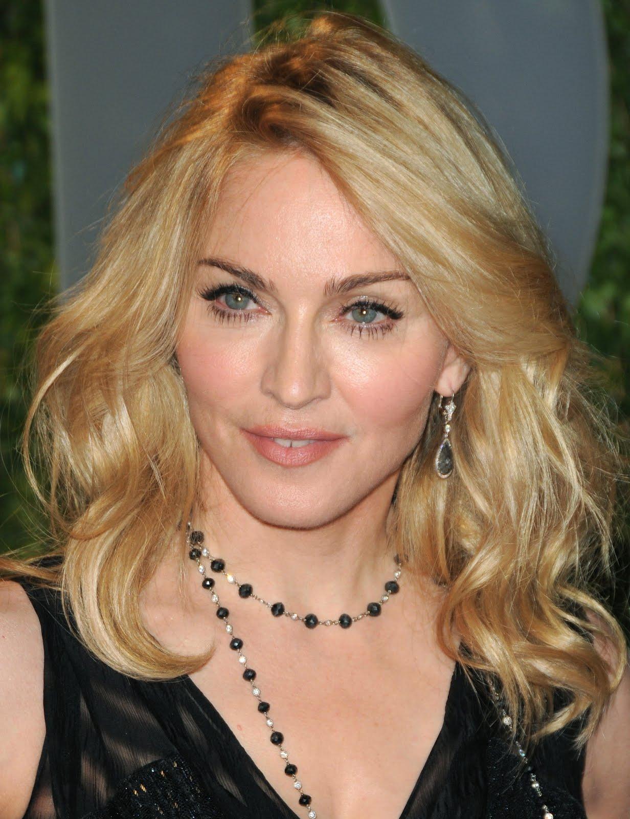 http://3.bp.blogspot.com/-yMth36p8YCk/T0EEtSWGf6I/AAAAAAAAA0k/Axol92vIfQo/s1600/Madonna%2BWallpapers.jpg