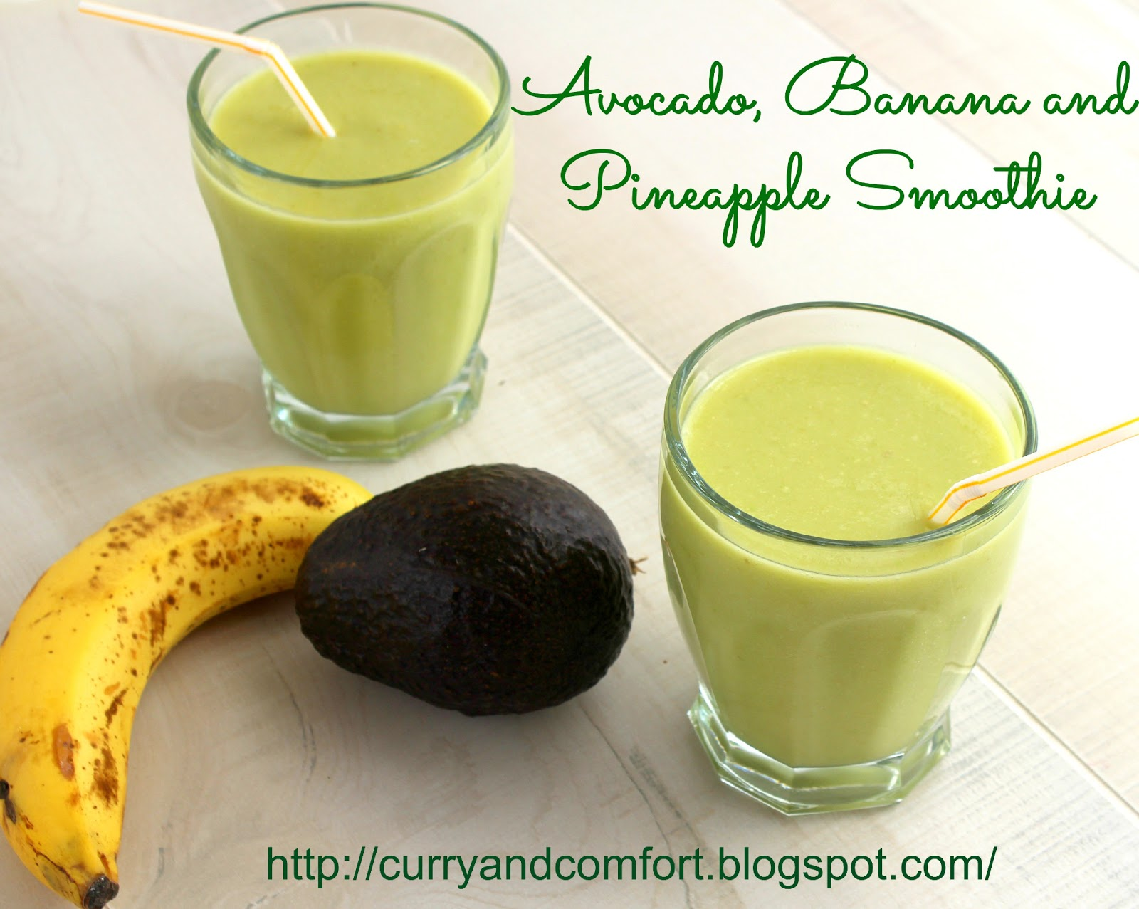 Kitchen Simmer: Avocado, Banana and Pineapple Smoothie (Vegan)