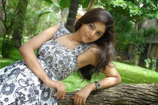 Sanam Shetty latest Pictures (2).jpg