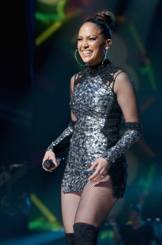 Jennifer Lopez – iHeartRadio Fiesta Latina in Miami