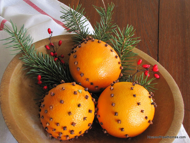 How to make cloved oranges - a quick and easy holiday tradition